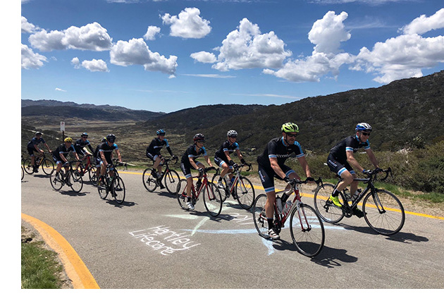 Photo of the Accenture team arriving at Charlotte Pass.